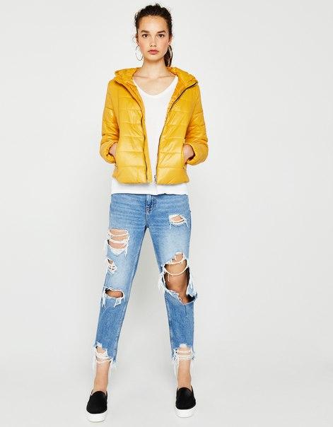 Легкая куртка с капюшоном