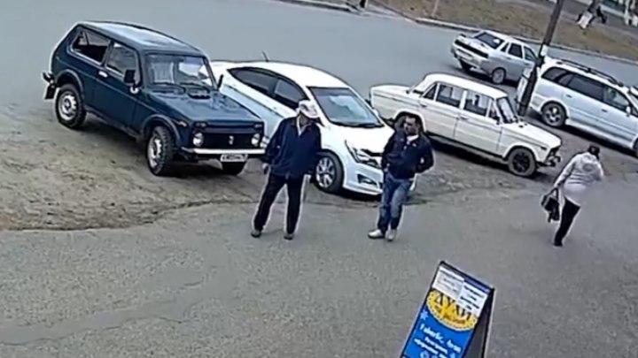 Колпашевец лишился 250 тыс руб, согласившись принять в дар бензопилу