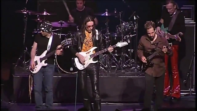 Joe Satriani, Steve Vai, John Petrucci - Smoke On The Water [Deep Purple Cover](Live in Tokyo, 2005)