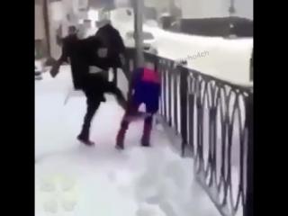 Санта и Человек-паук против Бэтмена