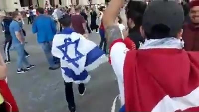 Quand des Tunisiens montrent leur soutient à la Palestine et font reculer des colons à Moscouen chantant Falastine Falastin
