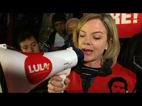 Agora: Gleisi Hoffmann lê carta de Lula para caravana do semiárido contra a fome