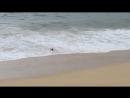 Будьте аккуратны на берегу! Яркий пример Приливного Течения и как оно засасывает людей в море