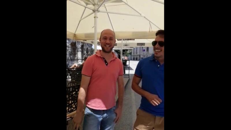 Два веселых испанца