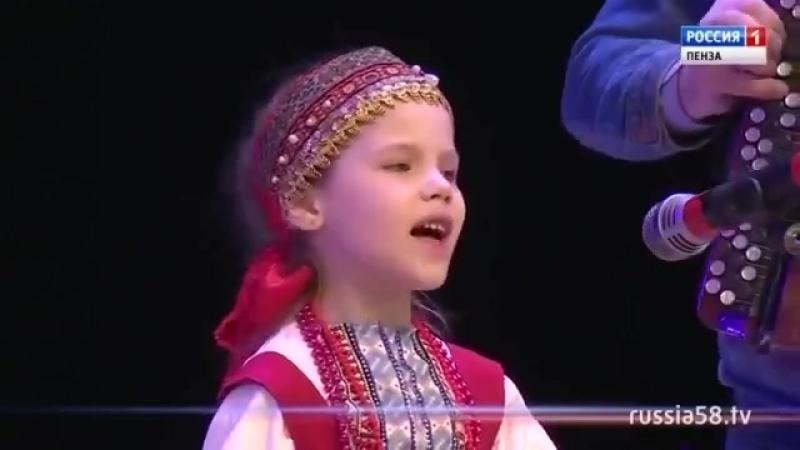 Участница кастинга шоу «Край талантов» София Борзова. Вот вам и Зыкина 21века