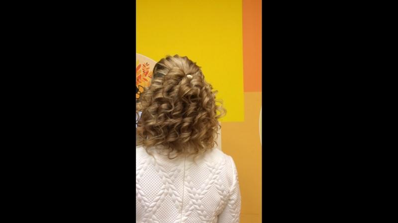 Праздничная причёска 🌸