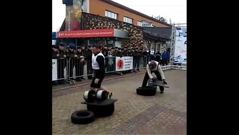 Руслан Багиров (Беларусь), жимовая эстафета: бочка - 95 кг гантель - 75 кг ось - 120 кг бревно - 135 кг 💪