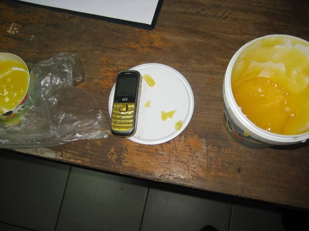 Жительница Покровского в СИЗО Таганрога в банке с медом передала мобильный телефон