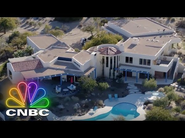 Secret Lives Super Rich Inside A Gucci Heiress' Palm Desert Estate CNBC Prime