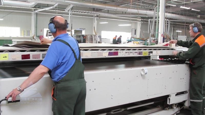 Следующий этап производства столешниц После раскроя влагостойких плит под размеры заказчика заготовки обеспыливаются и подступа