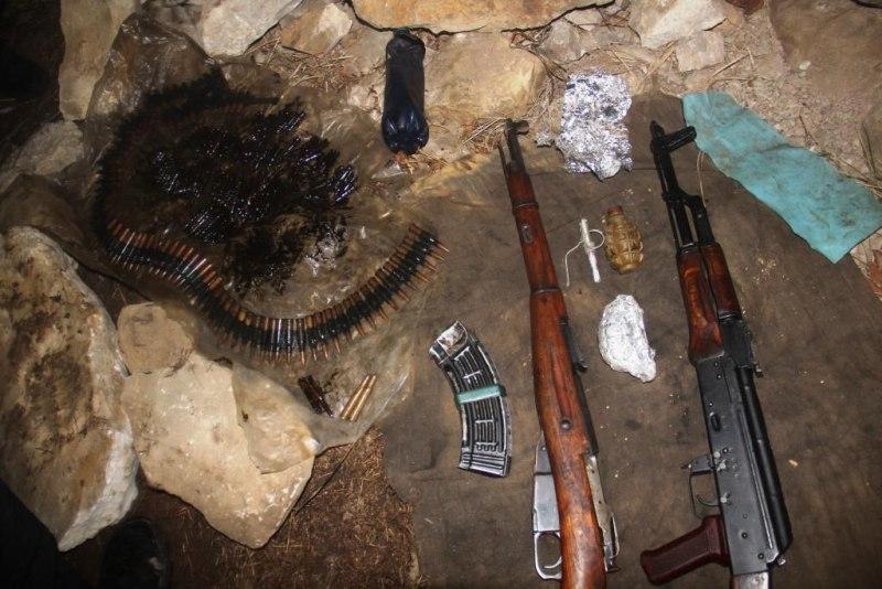 Под Красногорской обнаружен тайник с оружием и боеприпасами