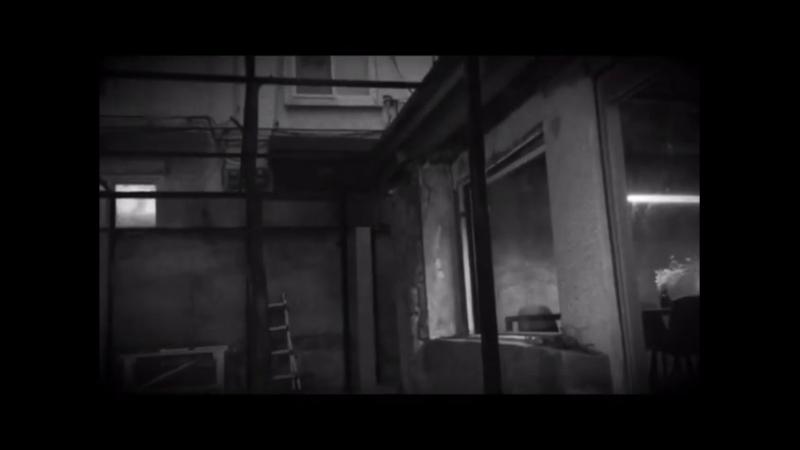 Инстаграм (с) ksoo от 29.05.2018: Film by @clownryu (Снято Рю Док Хваном)