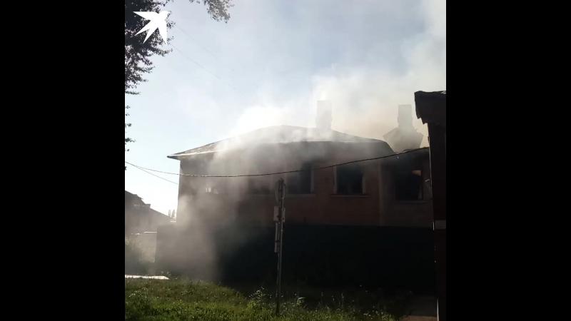 В Самаре сгорела двухэтажка на Кирова, которую облюбовали бомжи
