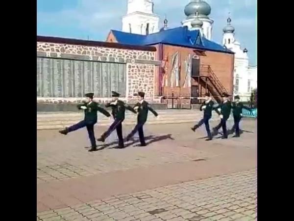 Пост номер 1. Смена караула. Казачата МБОУ СОШ 117 имени М. В. Стрельникова 9 мая 2018 года