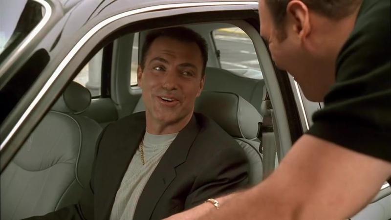 Тони подъёбывает Майки Палмиси (S01E02)