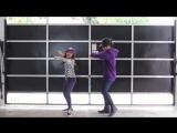 Очаровательные брат и сестра танцуют вместе под хиты 2017 года
