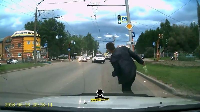 Водитель, будь внимателен на дороге!