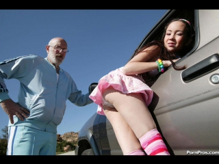 Трахнул в очко проститутку на дороге ( Анальный секс русское порно brazzers сиськи кунилингус зрелые мамки мастурбирует )