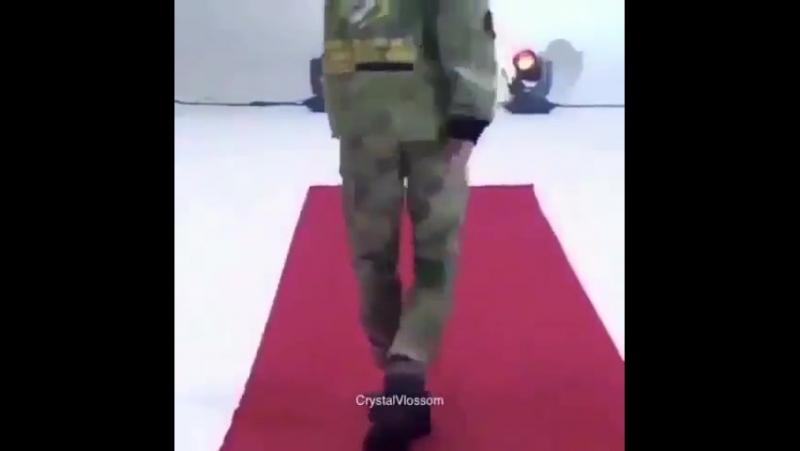 мин юнги он же agust d он же топ модель по корейский