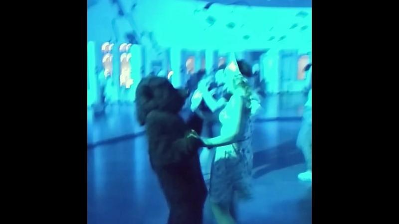 Танцуем латину с медведем и в кокошнике