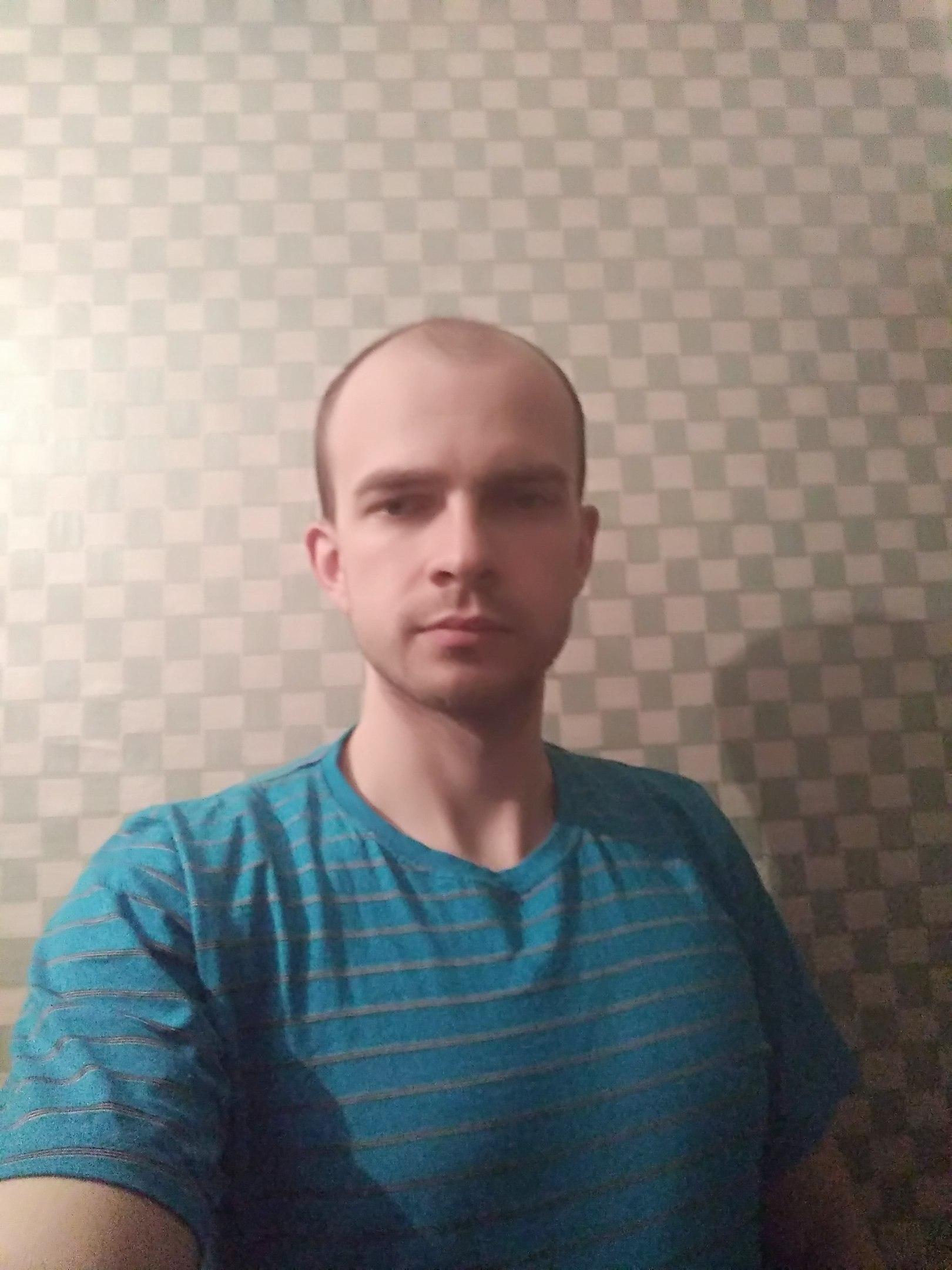 Dmitriy, 26, Ive