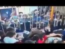 Массовая драка в ночном клубе Якутии попала на видео
