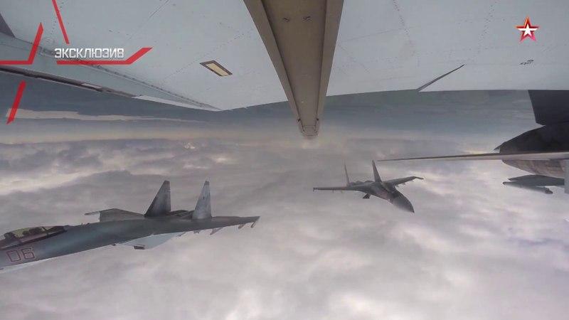 Новейшие Су 35С ведут воздушный бой на малых высотах эксклюзивные кадры