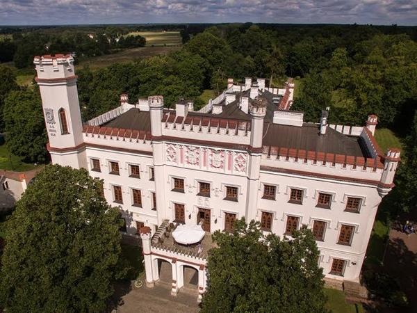 Pałac w Starejwsi z lotu ptaka