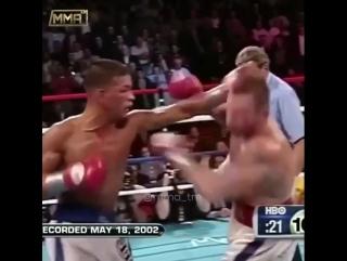 Артуро Гатти - Микки Уорд бой 2002 года