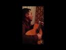 Цыган на гитаре душевно спел*