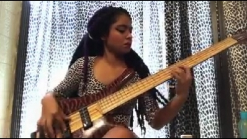Superb bass playing by Mohini dey​