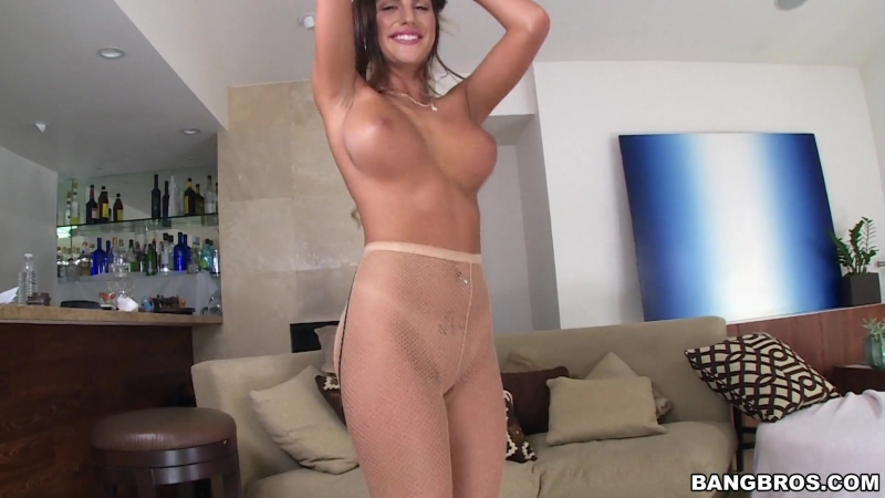 August Ames orgasms on the dick[August Ames]
