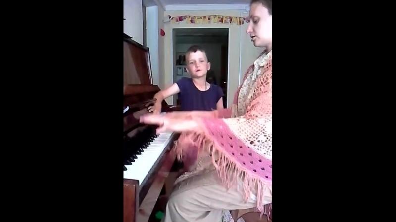 Светослав поёт