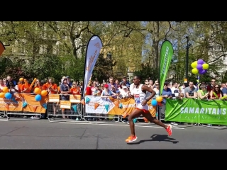 KENENISA BEKELE SLOW MOTION ANALYSIS ¦ London Marathon 2018