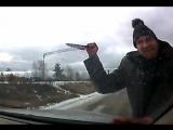 Кедровский психопат с ножом попал на видео. Посёлок Кедровка