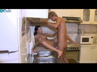 Sexy amateur homemade russian stepsister blowjob & sex at kitchen