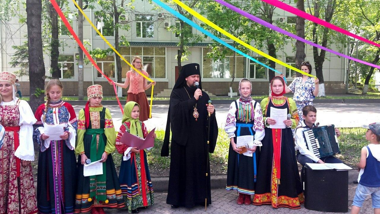 Православная ярмарка состоялась на подворье Свято - Никольского храма