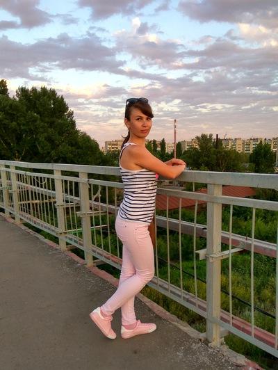 Елена Двизова