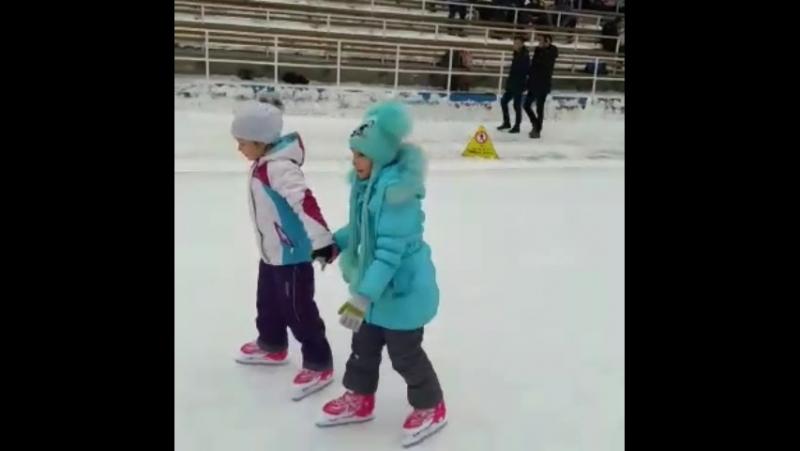 на Медеу на коньках