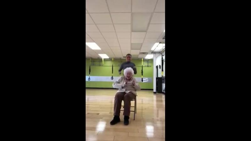 93-year-olds joyful workout session