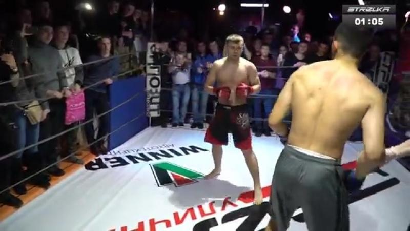 Борец против Боксера, Крутой Бой