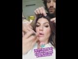 Джаред ищет седые волосы у Женевьев (из истории Джен на Инстаграме)