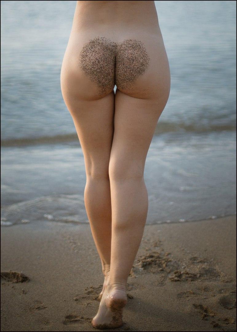 Brunette bikini pictures