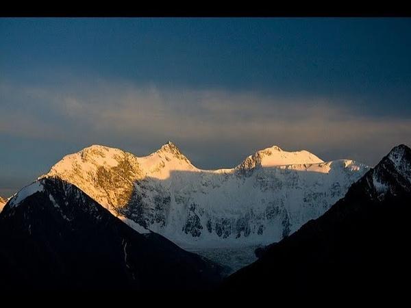 Взойди на вершину г.Белуха или пройди красивейший трек у подножия г.Белухи.