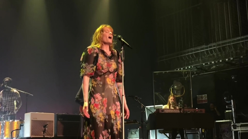 Florence The Machine — Falling (Live at Victoria Theatre, Halifax | 05.05.2018)