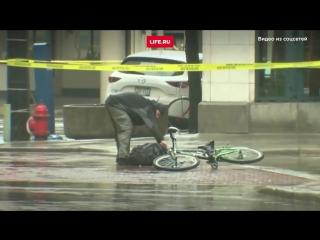 В США полиция скрутила велосипедиста, разминировавшего подозрительный рюкзак