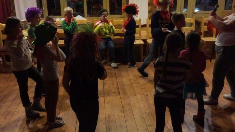 Танцуем , играем , отдыхаем !