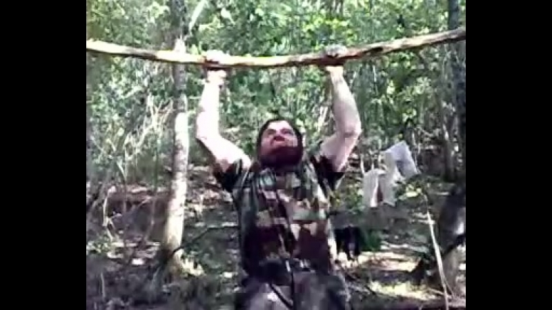Чеченские моджахеды на тренировке