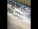 Момент взрыва сегодня на улице Ахмедхан Султана Взрывная волна Махачкала
