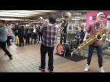 Уличные музыканты / Lucky Chops - Funkytown-I Feel Good